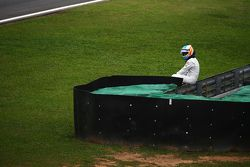 Fernando Alonso, McLaren arrêté sur la piste