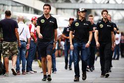 Jolyon Palmer, Lotus F1 Team Piloto de Pruebas y de Reserva con Pastor Maldonado, Lotus F1 Team y Romain Grosjean, Lotus F1 Team
