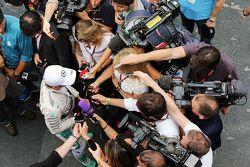 Nico Rosberg, Mercedes AMG F1 avec la presse