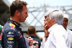 (Da sx a dx): Christian Horner, Team Principal della Red Bull Racing con Bernie Ecclestone