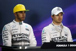 (L to R): Lewis Hamilton, Mercedes AMG F1 with team mate Nico Rosberg, Mercedes AMG F1 in the post q