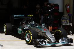 Nico Rosberg, Mercedes AMG F1 W06 deja los pits