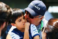 Felipinho Massa, con su abuelo Luis Antonio Massa,