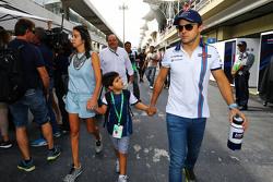 Felipe Massa, Williams con su esposa Rafaela Bassi e hijo Felipinho Massa