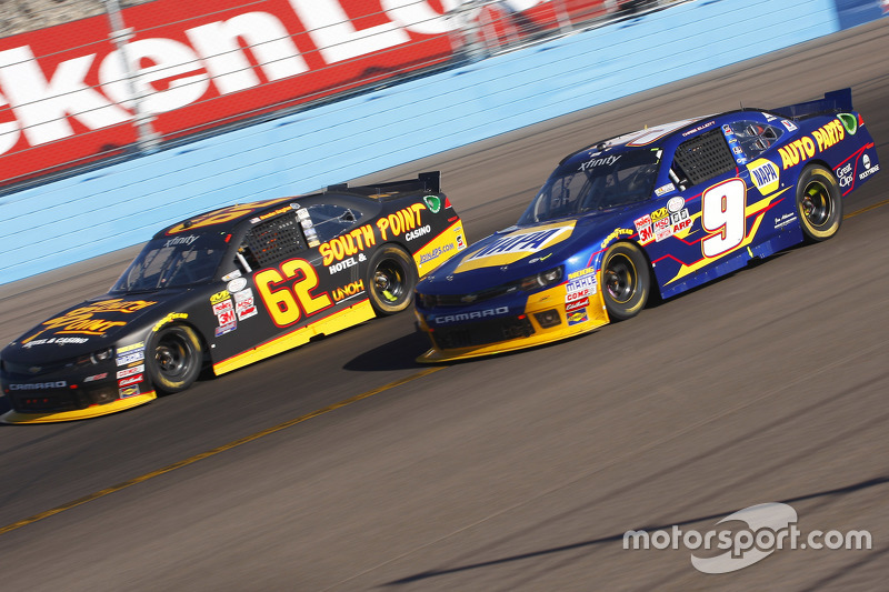 Чейз Елліот, JR Motorsports Chevrolet та Brendan Gaughan, Річард Чілдресс Racing Chevrolet