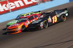 Korbin Forrister y Kyle Larson, Hscott Motorsports Chevrolet y Chris Buescher, Roush Fenway Racing F