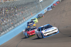 Brian Sott, Richard Childress Racing Chevrolet y Regan Smith, JR Motorsports Chevrolet