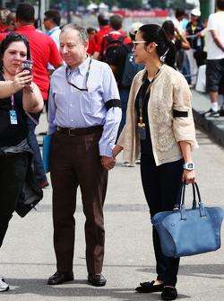 جون تود، رئيس الإتحاد الدولي للسيارات مع زوجته