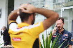 Christian Horner, Team Principal Red Bull Racing et Cyril Abiteboul, Directeur Général Renault Sport F1