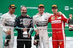 Podium: race winner Nico Rosberg, Mercedes AMG F1, second place Lewis Hamilton, Mercedes AMG F1, third place Sebastian Vettel, Ferrari