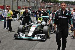 Lewis Hamilton, Mercedes AMG F1 W06 on the grid