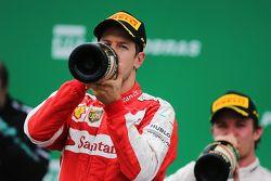 Sebastian Vettel, Ferrari fête sa troisième place sur le podium