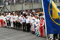 The grid observes a minutes silence for World Day of Remembrance for Road Traffic Victims and the victims of the Paris terrorist attacks