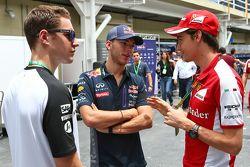 (Da sinistra a destra): Stoffel Vandoorne, collaudatore McLaren con Pierre Gasly, collaudatore Red B