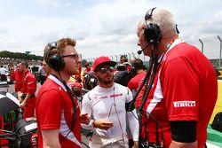 Will Stevens, Manor Marussia F1 Team con John Booth, Manor Marussia F1 en la parrilla