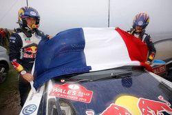 سيباستيان أوجييه وجوليان إنغراسيا، فولكسفاغن بولو دبليو آر سي، فولكسفاغن موتورسبورت مع العلم الفرنسي
