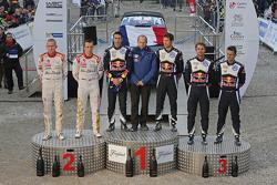 Podium: ganadores, Sébastien Ogier y Julien Ingrassia, Volkswagen Motorsport, segundo lugar, Kris Me