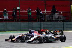Sergio Perez, Sahara Force India F1 VJM08 and Max Verstappen, Scuderia Toro Rosso STR10 battle for position