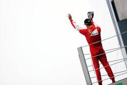 Себастьян Феттель, Ferrari празднует третье место на подиуме