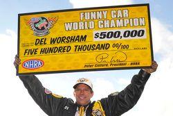 2015 Funny Car campeón Del Worsham