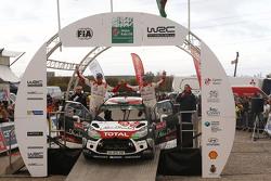 Podium: Kris Meeke and Paul Nagle, Citroën World Rally Team (2e)