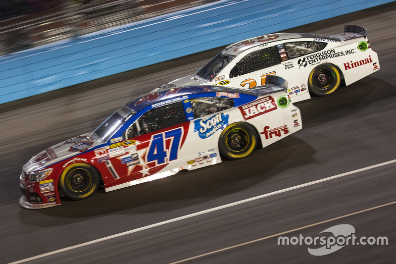 A.J. Allmendinger, JTG Daugherty Racing Chevrolet; Cole Whitt, Front Row Motorsports Ford
