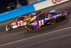 Denny Hamlin, Joe Gibbs Racing Toyota et Jeb Burton, BK Racing Toyota