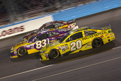 Matt Kenseth, Joe Gibbs Racing Toyota et Matt Dibenedetto, BK Racing Toyota