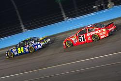 Jeff Gordon, Hendrick Motorsports Chevrolet et Justin Allgaier, Hscott Motorsports Chevrolet