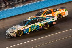Greg Biffle, Roush Fenway Racing Ford et Ryan Preece, Premium Motorsports Ford