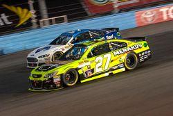 Paul Menard, Richard Childress Racing Chevrolet and Ricky Stenhouse Jr., Roush Fenway Racing Ford