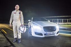 Le Mans-winnaar Andy Wallace en de Jaguar XJR