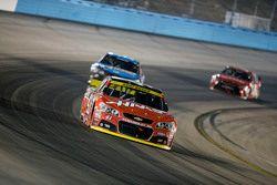 Kurt Busch, Stewart-Haas Racing Chevrolet and Jimmie Johnson, Hendrick Motorsports Chevrolet