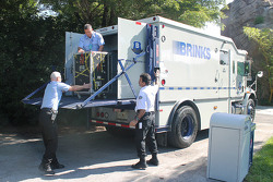 Brinks armored vehicle arrives at the Miami Zoo
