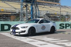 Le pace car - Shelby GT350 Mustang