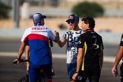 Pierre Gasly, DAMS greets Sebastien Buemi (WEC - Toyota
