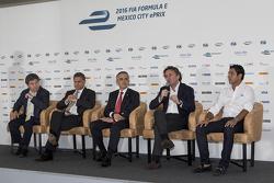 (Izq-Der) Alejandro Soberón presidente de CIE, Miguel Mancera alcalde de la Ciudad de México, Alejandro Agag CEO Fórmula E y Salvador Duran Team Aguri