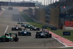 Matevos Isaakyan, Koiranen GP leads Pal Varhaug, Jenzer Motorsport and Antonio Fuoco, Carlin
