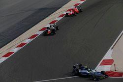 Jimmy Eriksson, Koiranen GP leads Luca Ghiotto, Trident and Emil Bernstorff, Arden International