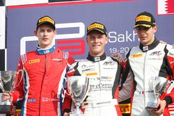 Rennen 1 Podium: 2. Emil Bernstorff, Arden International; 1. Marvin Kirchhofer, ART Grand Prix; 3. E