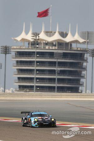 #77 Dempsey Proton Competition Porsche 911 RSR: Christian Ried, Patrick Long, Marco Seefried