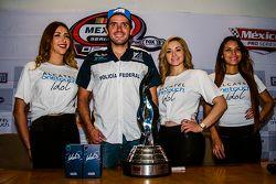 Rubén Rovelo, G3C Racing con las chicas de alcatel