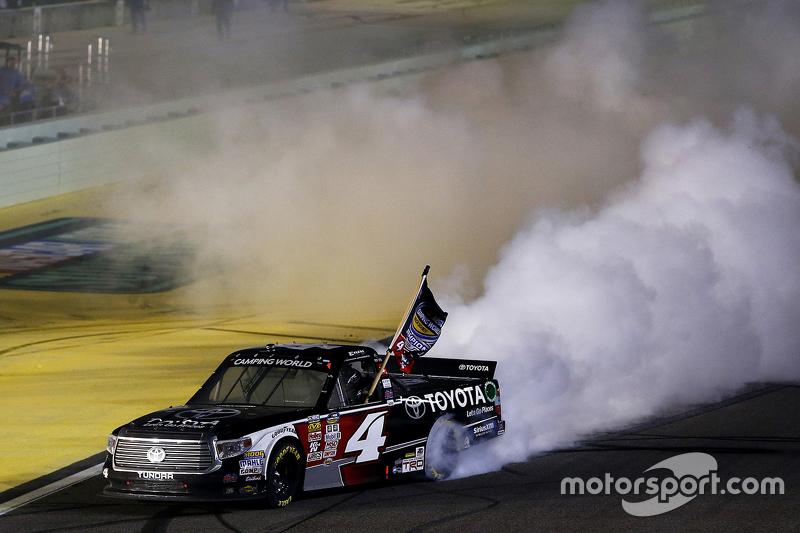 Чемпіон серії NASCAR Camping World Truck 2015  Ерік Джонс, Kyle Busch Racing