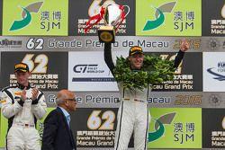 Podium: winnaar Stefan Mücke, Craft-Bamboo AMR, tweede plaats Maro Engel, Mercedes AMG Driving Acade