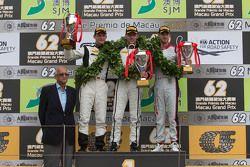 Podium: 1. Stefan Mücke, Craft-Bamboo AMR; 2. Maro Engel, Mercedes AMG Driving Academy; 3. Edoardo M