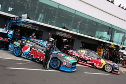 Mark Winterbottom, Prodrive Racing Australia Ford and Craig Lowndes, Triple Eight Race Engineering Holden