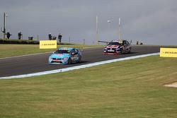 Scott McLaughlin, Garry Rogers Motorsport; Craig Lowndes, Triple Eight Race Engineering, Holden