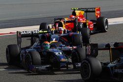 Sergio Canamasas, Team Lazarus devant Pierre Gasly, DAMS