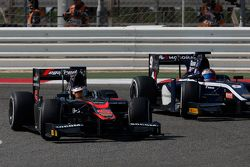 Stoffel Vandoorne, ART Grand Prix leads Mitch Evans, RUSSIAN TIME