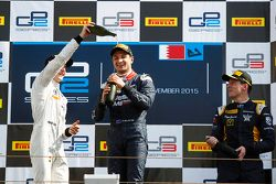 Race 2 Podium: second place Stoffel Vandoorne, ART Grand Prix and winner Mitch Evans, RUSSIAN TIME a